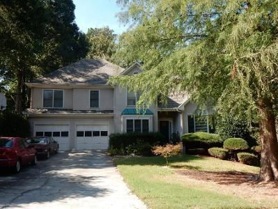 4 Bed 2.5 Bath Preforeclosure Property in Marietta, GA 30008 - Milford Trl SW