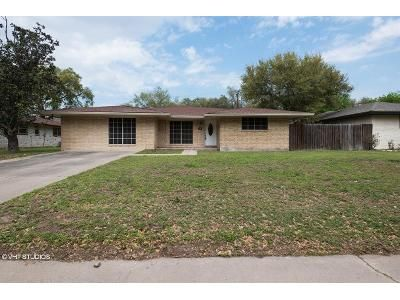 3 Bed 2 Bath Foreclosure Property in Alice, TX 78332 - Washington Dr