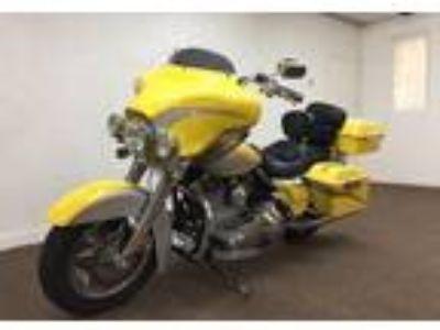 2006 Harley-Davidson Touring Scremin Eagle Electra Glide CVO FLHTCUSE 103