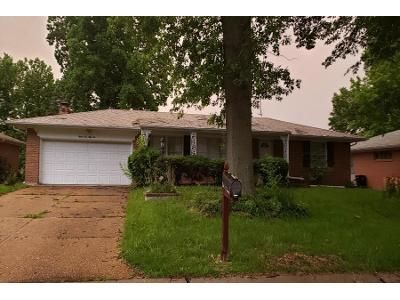2 Bed 2 Bath Preforeclosure Property in Saint Louis, MO 63138 - Portsmouth Dr