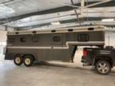1994 Keifer 3 Horse Slant Ramp Load Gooseneck Trailer