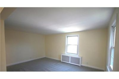 Great & clean 2nd floor apartment.