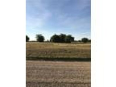 Available Property in Savoy, TX
