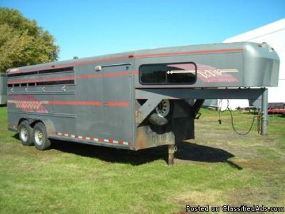 1995 Diamond D Gooseneck 2 Horse Trailer
