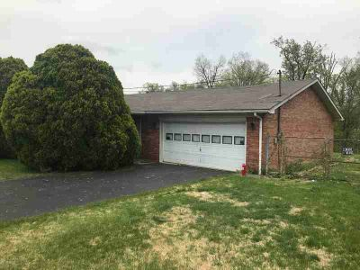 1393 Hill St RADCLIFF Three BR, Great Opportunity!!!