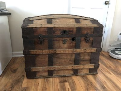 Trunk (or Pirates Chest)