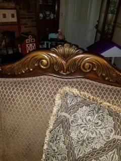 Very nice Couch and chair