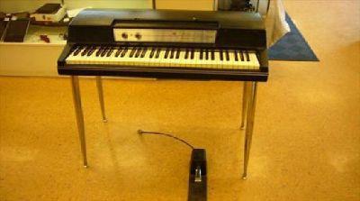 $999 OBO Wurlitzer 200A Electric Piano