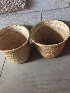 Two woven flower baskets. Ready for fall mums. Meet or ppu in Gallatin.