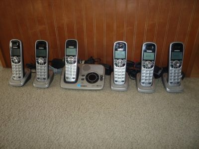 ***UNIDEN CORDLESS PHONE SET W/6 HANDSETS***