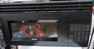 Hotpoint over-the-range microwave