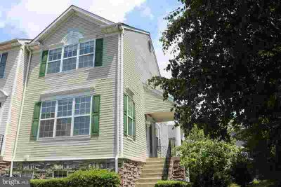 2714 Cherrywood CT Odenton Three BR, Gorgeous, Updated Townhome.