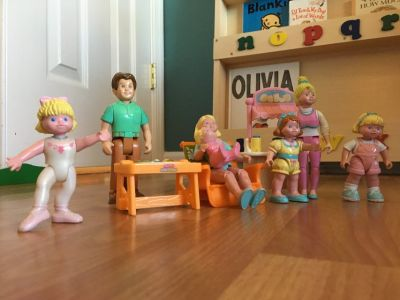 Fisher Price Little People Dollhouse Family
