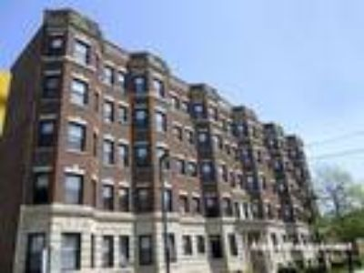 This great Two BR, One BA sunny apartment is located in the area on Washington