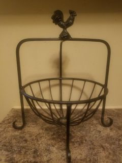 Black Wrought Iron Rooster Stand
