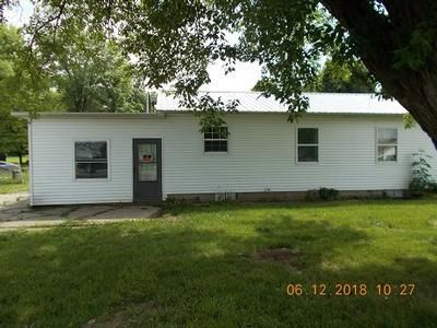 2 Bed 1 Bath Foreclosure Property in Connersville, IN 47331 - S County Road 50 E