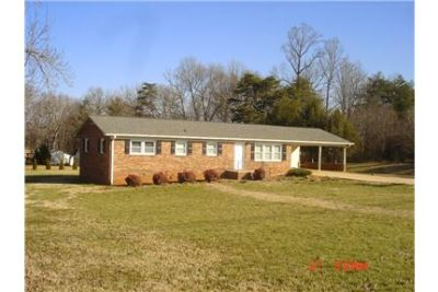 Attractive Brick Ranch House 1520 SQ ft