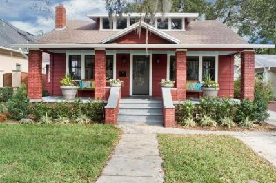 Relax on your front porch in one of downtown Orlando's best neighborhood!