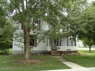 4 Bed 2 Bath Foreclosure Property in Paw Paw, MI 49079 - N Lagrave St