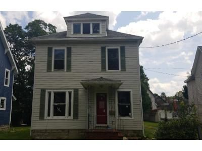 3 Bed 1 Bath Foreclosure Property in Jamestown, NY 14701 - Catlin Ave