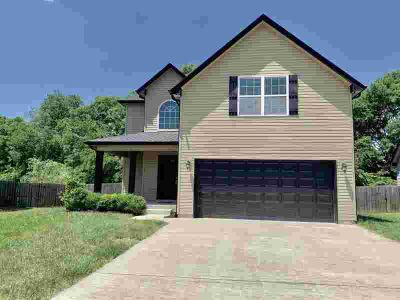 695 Fox Trail Ct CLARKSVILLE, Four BR home with new carpet