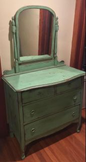 Gorgeous, antique dresser with 4 drawers & detachable mirror.