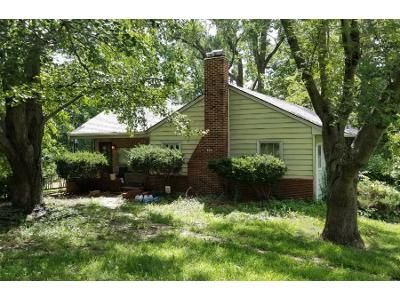 3 Bed 3.5 Bath Foreclosure Property in Independence, MO 64050 - Dickinson Rd