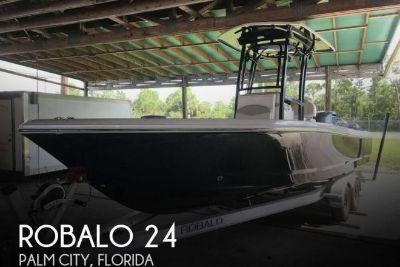 2017 Robalo 246 Cayman