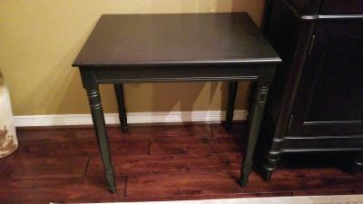 Espresso/ black accent table or nightstand