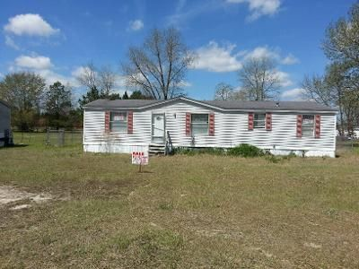 3 Bed 2 Bath Foreclosure Property in Parkton, NC 28371 - Hypony Trl