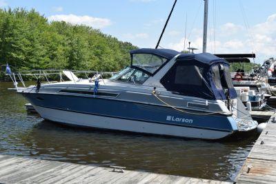 1989 30 ft larson boat