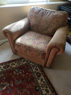 Free!!! Chair with ottoman must have help to load