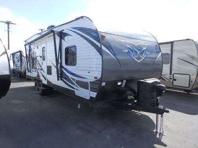 2019 Forest River SANDSTORM 251SLC, WALK AROUND BED, POWER PACKAGE, DUAL ELECTRIC BEDS, 200 WATT SOLAR PANEL, SOLID SURFACE COUNTERS, ARCTIC PACKAGE