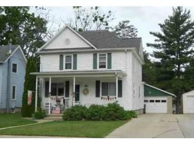 4 Bed 1 Bath Foreclosure Property in Beaver Dam, WI 53916 - Declark St