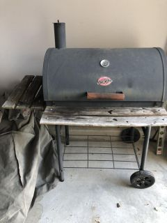 Char-griller charcoal grill with grill cover