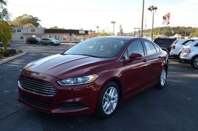 2015 Ford Fusion SE (Red)