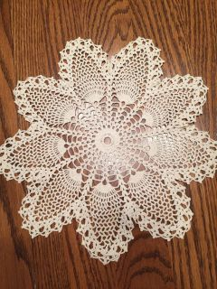 11 Vintage 12-Point Pineapple Doily