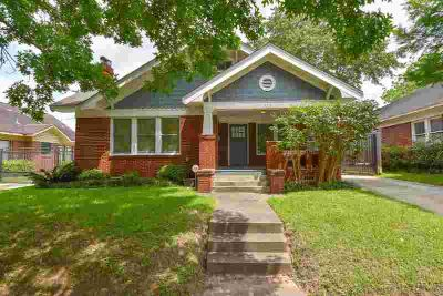 935 Teetshorn Street HOUSTON Two BR, Charming & Trendy Cottage
