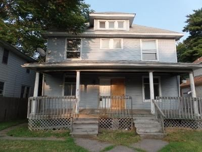 6 Bed 2 Bath Foreclosure Property in Davenport, IA 52803 - Grand Ave