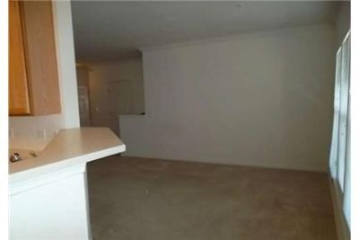 2 bedrooms Apartment - 55 GLEAMING HARDWOOD FLOORS. Parking Available!