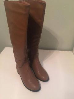 Women s boots ,size 7