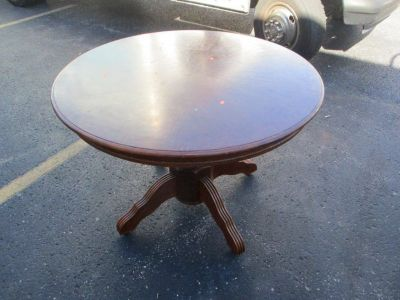 Round Wood Table and Chairs w/Misc Accessories RTR# 8064826-01