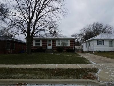 2 Bed 1.5 Bath Preforeclosure Property in Villa Park, IL 60181 - S Villa Ave