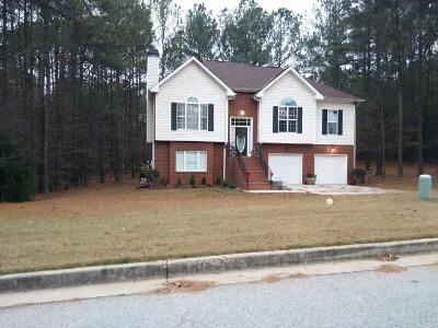 3 Bed 3 Bath Preforeclosure Property in Hampton, GA 30228 - Togwatee Pass