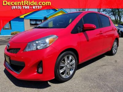 2012 Toyota Yaris 5-Door L (Absolutely Red)
