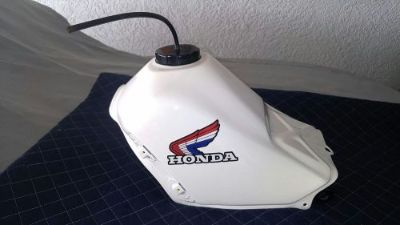 Sell CLEAN FUEL GAS TANK 1985-86 350X 350 X 85 1986 ATC HONDA 3 WHEELER THREE ATV motorcycle in Cape Coral, Florida, United States