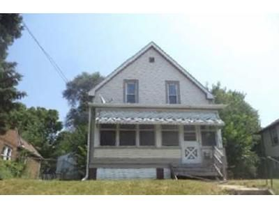 3 Bed 1 Bath Foreclosure Property in Rockford, IL 61104 - 16th St