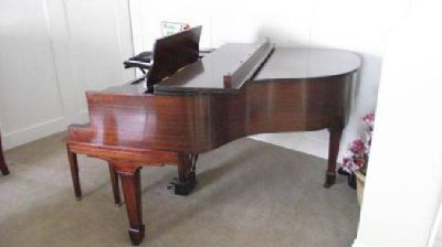"$3,000 5'1"" Baby Grand Mahagony Piano (North Logan)"