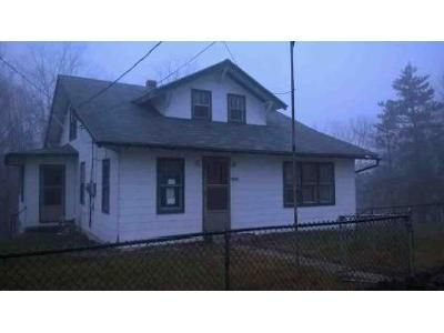 2 Bed 1 Bath Foreclosure Property in Frostburg, MD 21532 - Loartown Rd