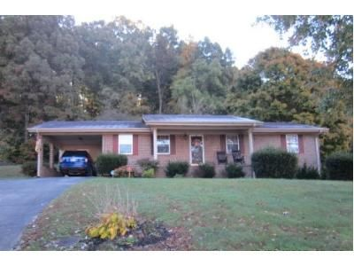 3 Bed 1 Bath Foreclosure Property in Chuckey, TN 37641 - Crest Hills Ln